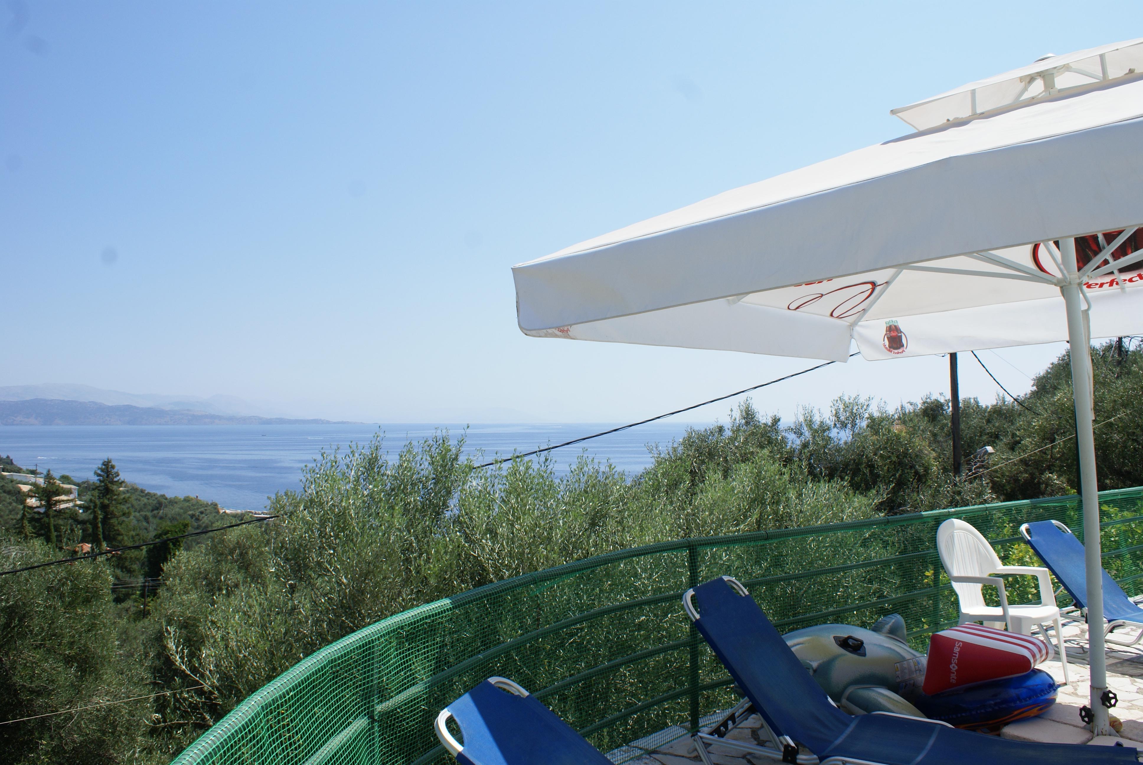 Meerblick - Balkon - Korfu Ferienhaus Villa Adonis mit Pool, Nissaki, KorfuCorfu.de