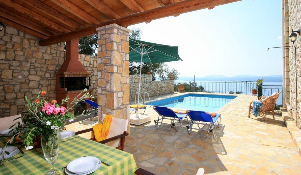 """Pool - Korfu Ferienhäuser mit Pool """"Villen Zeta und Marianthi""""  in Nissaki, Ostküste, KorfuCorfu.de"""