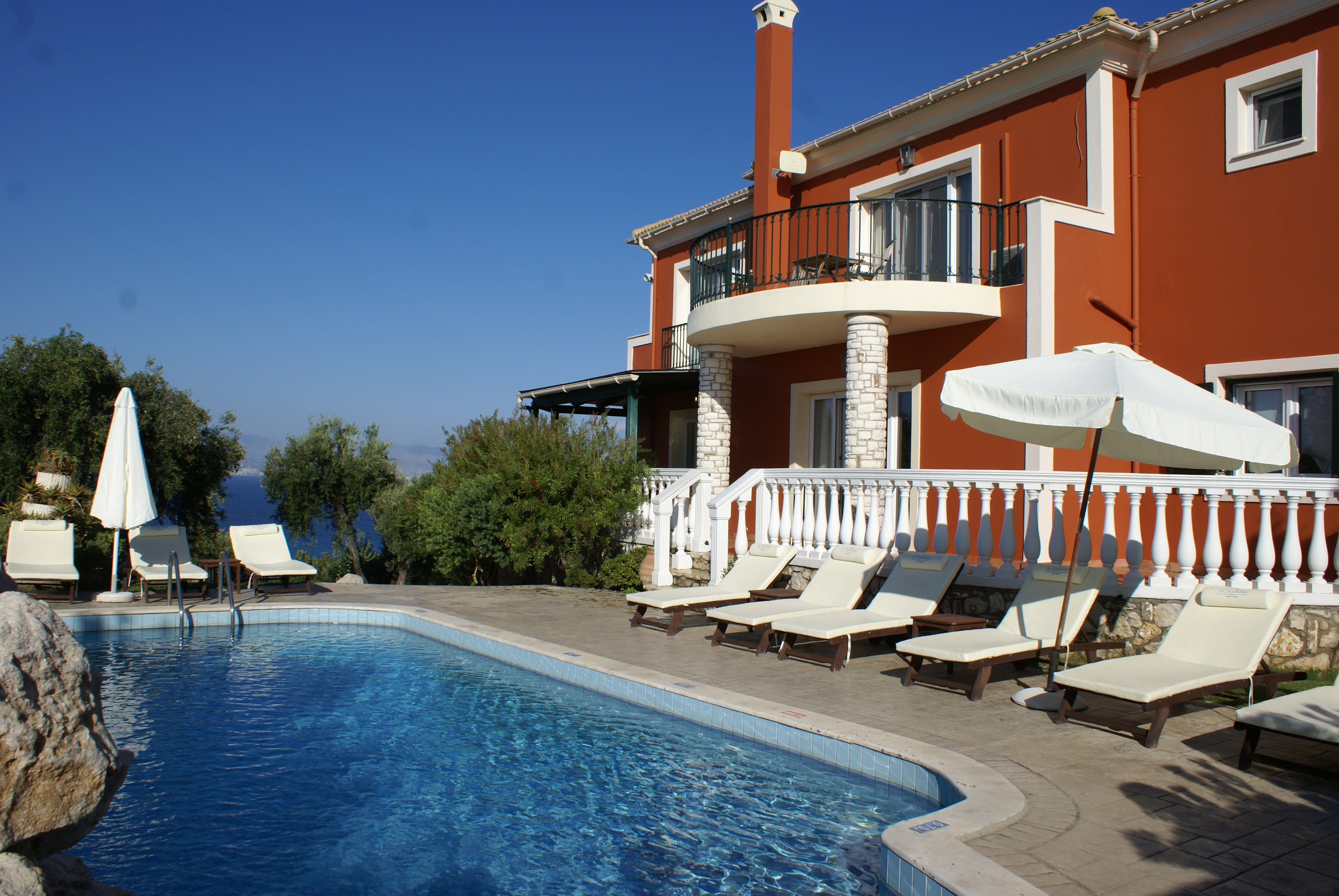 Rückansicht - Korfu Villa Sankt Nikolas Strandhaus, Agios Spiridon, KorfuCorfu