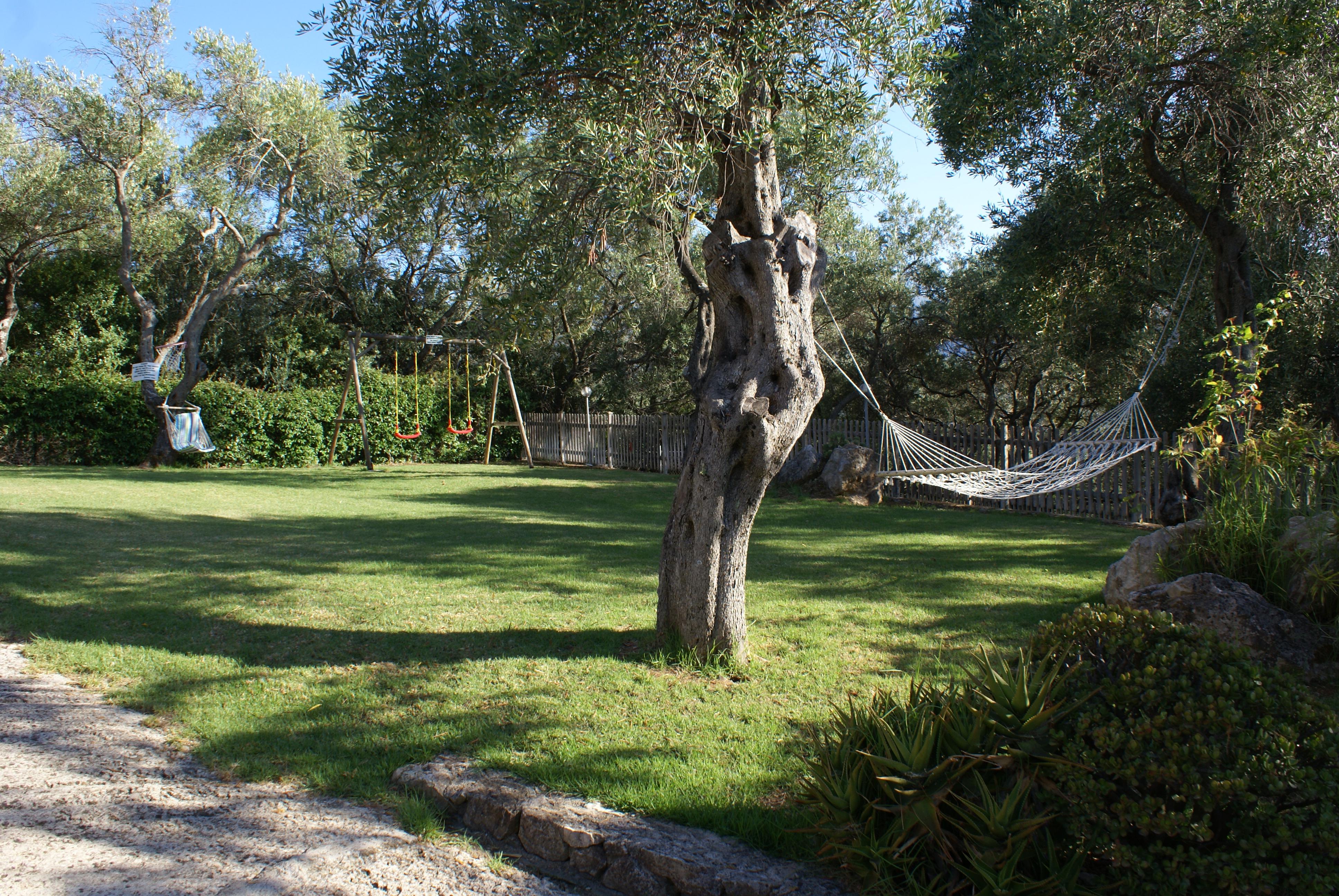 Liegewiese - Korfu Villa Sankt Nikolas Strandhaus, Agios Spiridon, KorfuCorfu