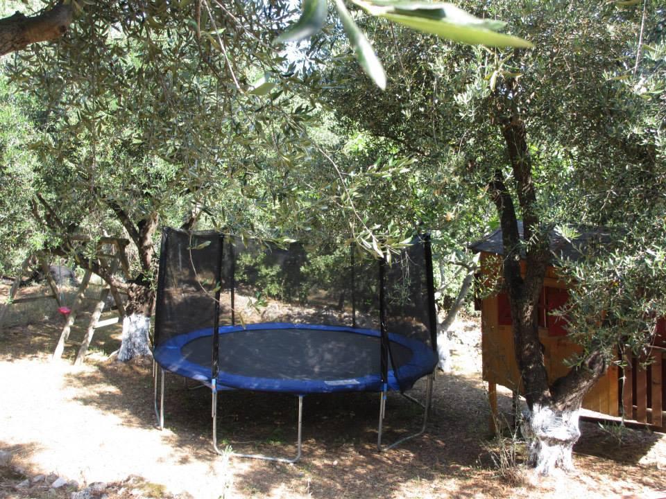 Trampolin - Korfu Ferienwohnung Flora, Acharavi, Korfu, Griechenland, KorfuCorfu.de
