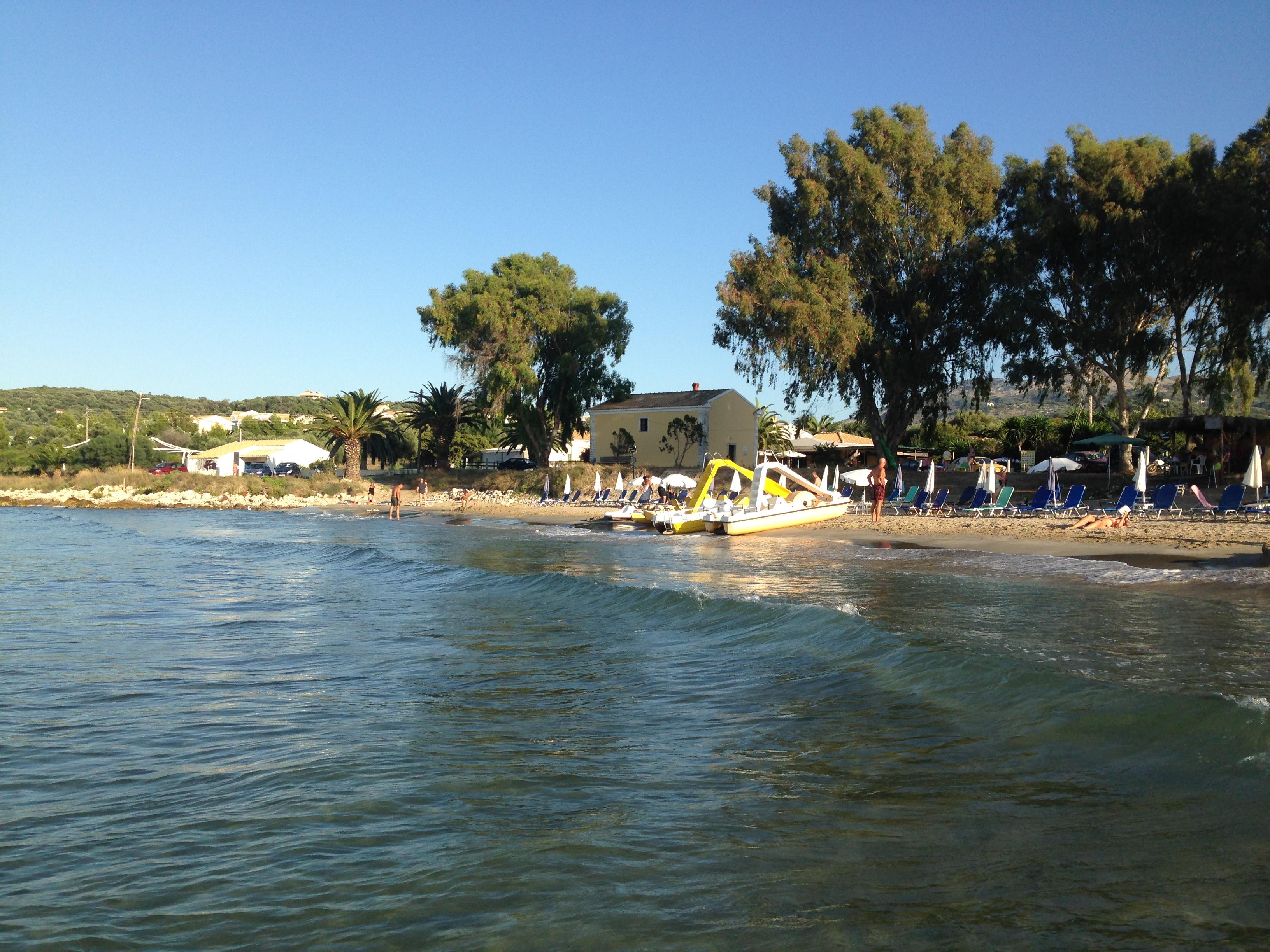 Strand von Agios Spiridon - in der Nähe der  Korfu Villa Mare e Monti, Almiros, KorfuCorfu.de