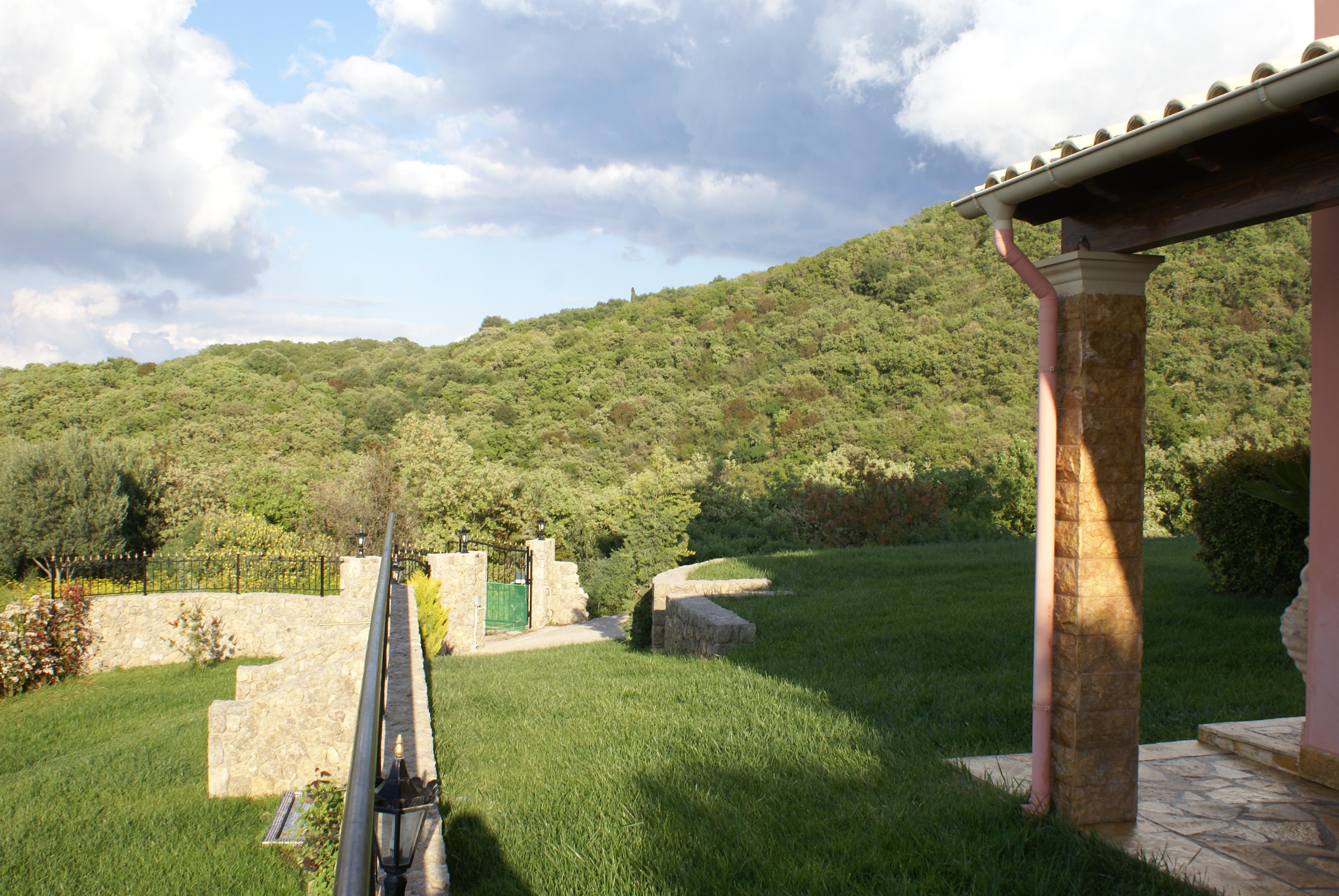 Garten nach Norden - Korfu Villa Mare e Monti, Almiros, KorfuCorfu.de