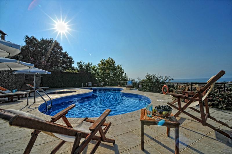 Pool 3 - Korfu Villa Mare e Monti, Almiros, KorfuCorfu.de