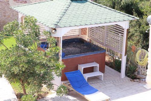 Jacuzzi - Korfu Villa Sankt Nikolas Strandhaus, Agios Spiridon, KorfuCorfu