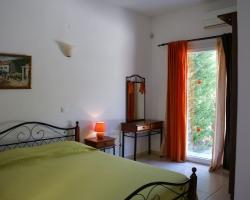 Schlafzimmer unten - Korfu Strandvilla Villa Meer, Kalamaki, KorfuCorfu