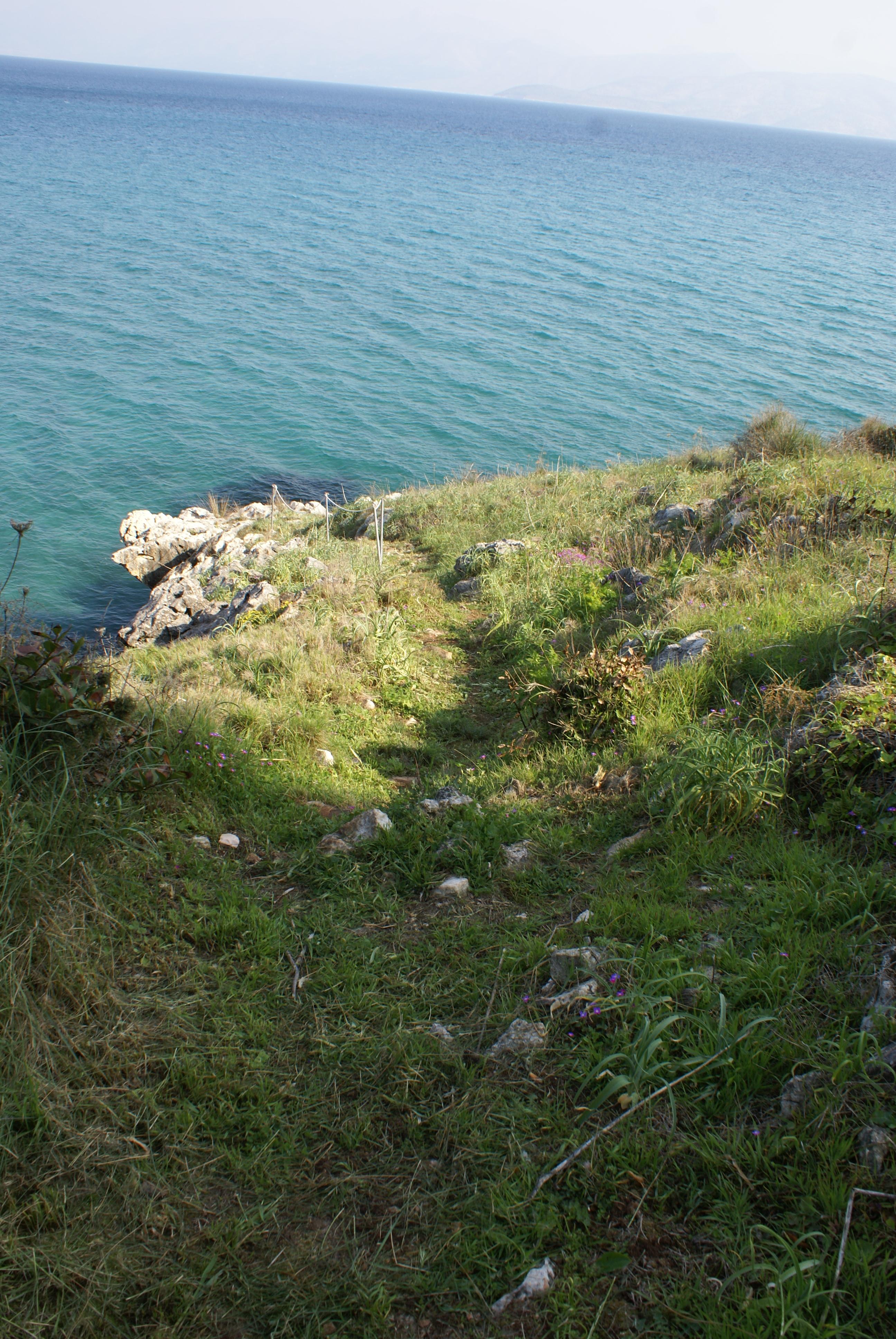 Pfad zum Meer - Korfu Villa Steilküste, Agios Spiridon, Korfu, Griechenland