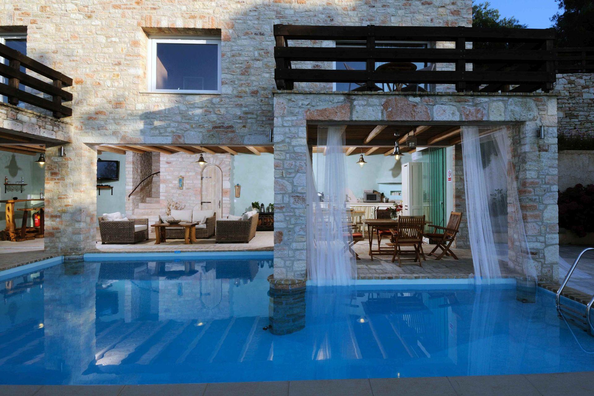 Rückfront - Korfu Villa Steilküste, Agios Spiridon, Korfu, Griechenland