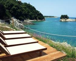 Liegeplatz direkt am Meer - Korfu Villa Steilküste, Agios Spiridon, Korfu, Griechenland